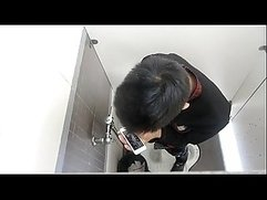 Spy Toilet Jerk Off 03 - gay-leak.blogspot.com - Spy video every day