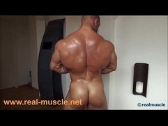 Realmuscle Bodybuilder Cumshot